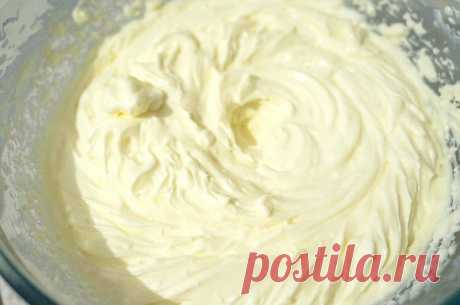 La crema para la alineación de la torta la receta