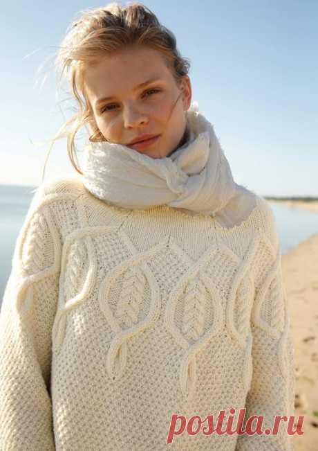 Пуловер с круглой кокеткой из кос