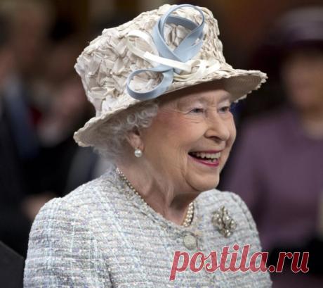 У Елизаветы II те ещё шуточки. Поугарать над ними можно, как и над другими шутками королевской семьи :)