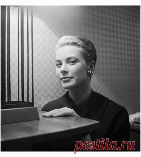 Grace Kelly 1954  Photo Cecil Beaton
