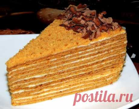 Recipe of cake Medovik\u000aIngredients:\u000aFor the test it is required to us:\u000amuk – 300 g, \u000asakhara - 200 g, \u000aslivochny oil - 100 g, \u000ameda - 2 tablespoons,\u000ayaitsa - 2 pieces,\u000asoda are 1 h a spoon.\u000aFor cream preparation:\u000aslivochny oil - 300 g,\u000asgushchenny boiled milk - 1 bank,\u000agretsky nuts - 100 g,\u000aFor ornament:\u000ashokolad – at will.\u000aPreparation:\u000aWe kindle butter, sugar, and also honey, it is desirable on a water bath, without forgetting to stir slowly, about 4-5 minutes. Then we add soda and honey agarics