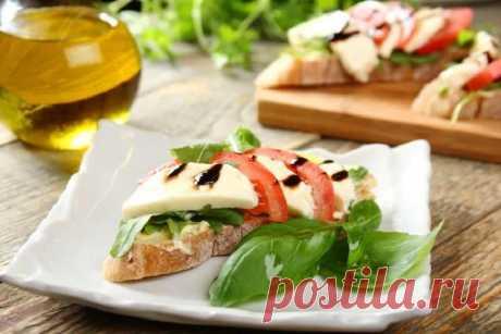 Бутерброды с помидорами и сыром моцарелла – пошаговый рецепт с фото.