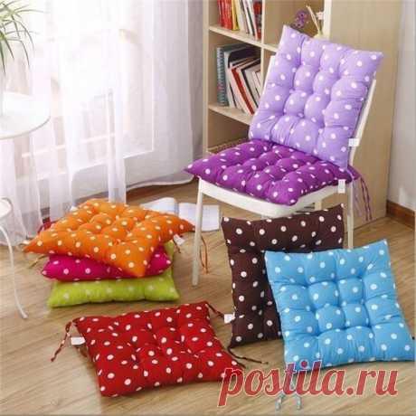 Шьём удобные подушки-коврики для стульев.