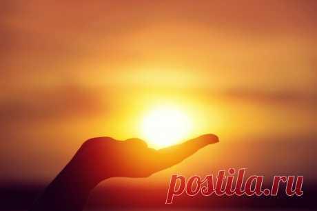 -Արևը ստվեր չի տեսնում...💥 -Արևի նման նայեցե'ք աշխարհքին...  Հովհաննես Թումանյան