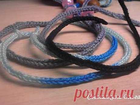 Вязание простого шнура из трех петель