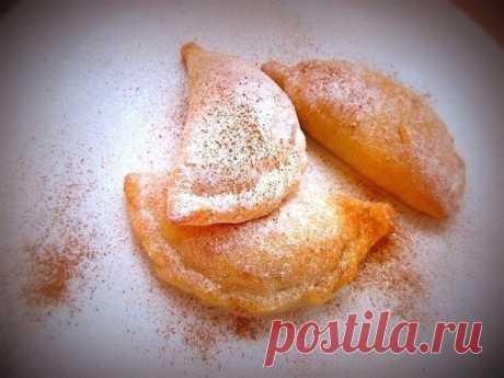 Творожные пирожки с яблоком и корицей  Ингредиенты: Творог — 180 г /1 пачка. Яйцо куриное — 1 шт. Показать полностью…