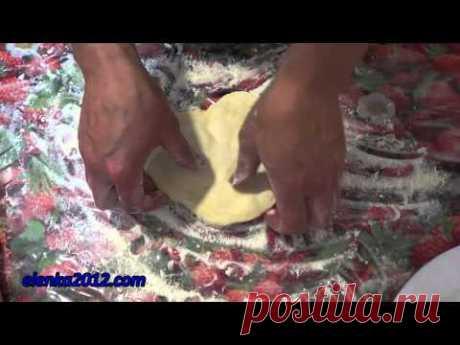 Как приготовить торт Наполеон из слоеного теста дома - YouTube