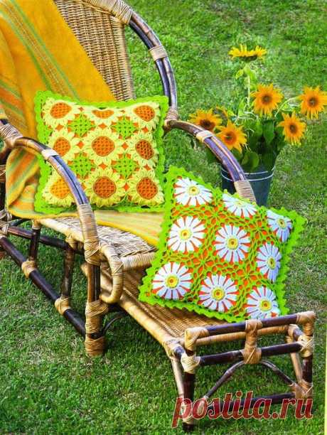 Knitting by a hook - pillows.