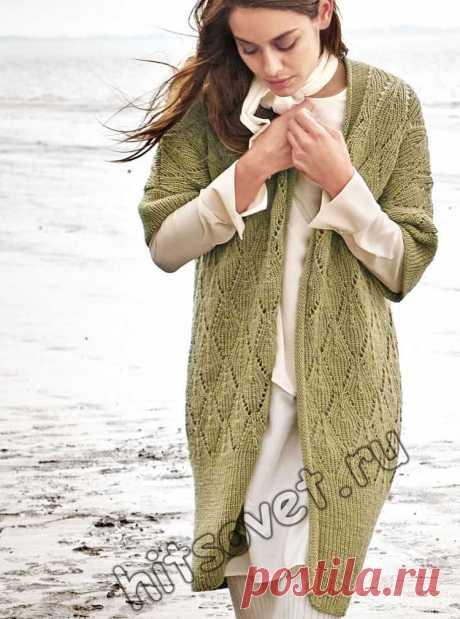 Модный вязаный кардиган - Хитсовет Модный вязаный кардиган. Стильная модель женского кардигана с красивым узором со схемой и бесплатным описанием вязания.