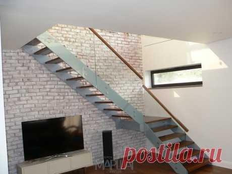 Лестницы, ограждения, перила из стекла, дерева, металла Маршаг – Лестница с перилами из стекла