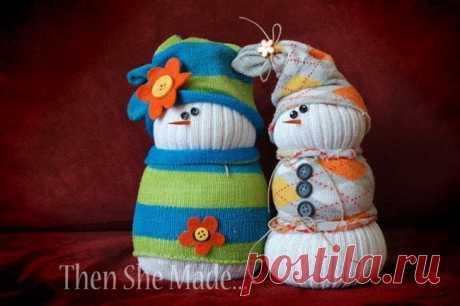 Делаем снеговичков из носочков — DIYIdeas