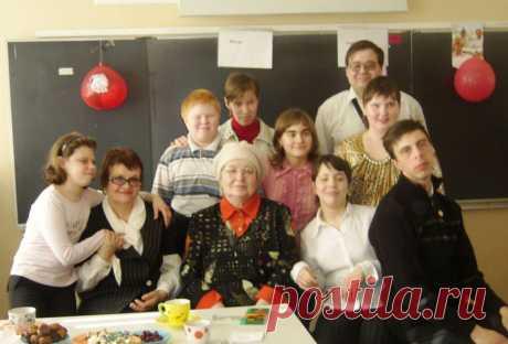 новогодняя посиделка: дети,родители,учительница