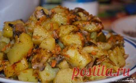 Potato with champignons in the crock-pot