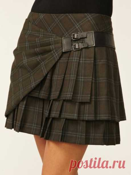 plaid pleated skirt - I am not a skirt-wearer, but I could see myself getting this. :) | Clothes