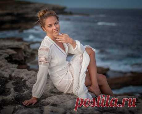 Россиянка уехала в Австралию, чтобы зарабатывать на картинах из эпоксидной смолы | PractEco - мир эпоксидной смолы | Яндекс Дзен