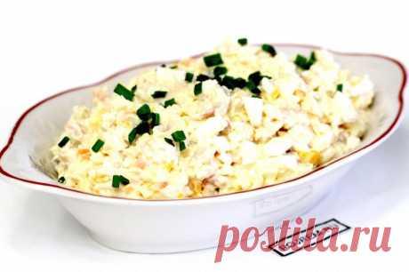 Салат с рыбой горячего копчения - рецепт с фото