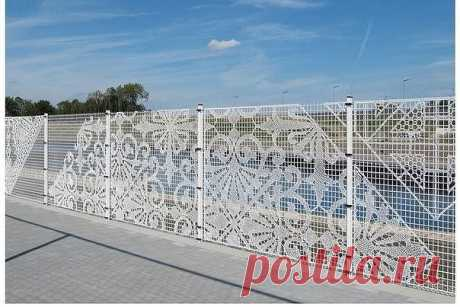 Вязаный забор?