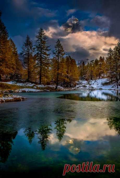 "coiour-my-world: ""Aurora ~ Vald'aosta, Italy """