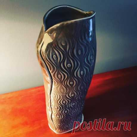 Linda Mitchell Duncan в Instagram: «Stoneware vase #stoneware #stonewarepottery #rovinceramics #youbetcha #amacoglazes #amacobrent #adriancenterforthearts #madeinmichigan…» 8 отметок «Нравится», 0 комментариев — Linda Mitchell Duncan (@lsduncan_designs) в Instagram: «Stoneware vase #stoneware #stonewarepottery #rovinceramics #youbetcha #amacoglazes #amacobrent…»