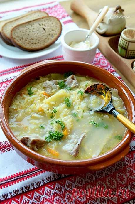 Капустняк запорожский - в украинской кухне это второе по значению из первых блюд после борща. Вариантов приготовления много. В этом рецепте понадобится: