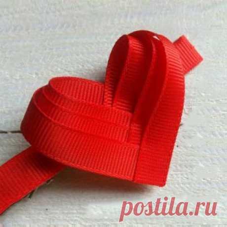 Как сделать сердечко из лент своими руками