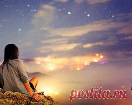 ՀՈԳՈՒ ՏՈՂԵՐ…🙏 Քո պայծառ գահի անհաս բարձունքից , Սի՛ մերժիր սրտիս աղոթքը անբիծ …  Լավագույն ՀԱՎԱՏՆ այն է աշխարհում , Որ կյանքում երբեք ԿՐՈՆ չի դառնում ...