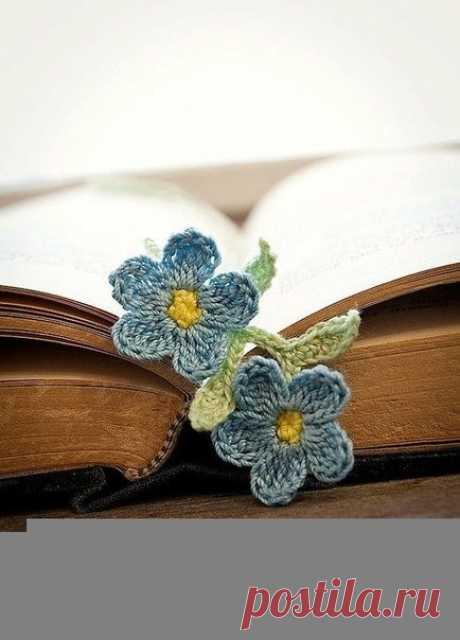Милые небольшие вязаные закладки в виде цветочков — Сделай сам, идеи для творчества - DIY Ideas