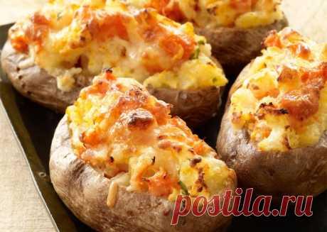 Картофель фаршированный крабовыми палочками — Sloosh – кулинарные рецепты