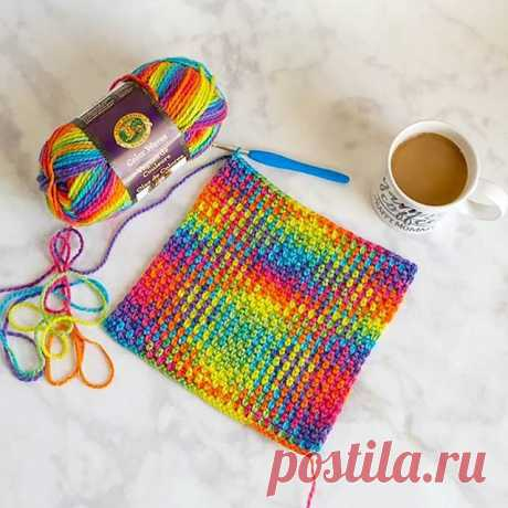 ¡Get ready! ¡@sewrella is working on color pooling with Color Waves - we can't wait to share the finished pattern with you! ⠀\u000a⠀\u000a#colorpooling #crochet #crochetinspiration #crochetlovers #crochetersofinstagram #ilovecrochet #rainbow #colorwaves #lionbrand #lionbrandyarn