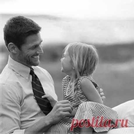 Нет ничего важнее улыбки твоего ребенка, даже когда ты очень устал, даже когда кажется, что нет сил... Он улыбается. Жизнь продолжается 😊