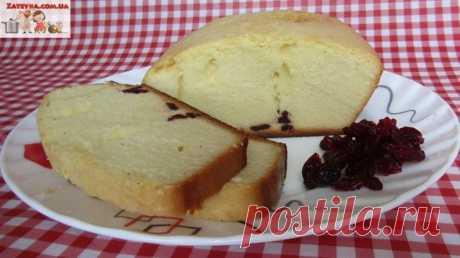 Нежный кекс с вишнёвыми цукатам на сгущённом молоке