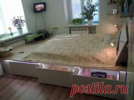 Подиум в спальне - оригинальный интерьер в сочетании с эргономичностью #подиум #спальня #дизайнинтерьера