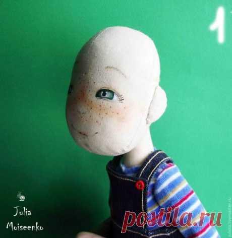 Волосы текстильной кукле из овечьих кудрей.
