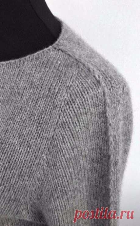 Простой пуловер спицами Friday Again by Ankestrick.