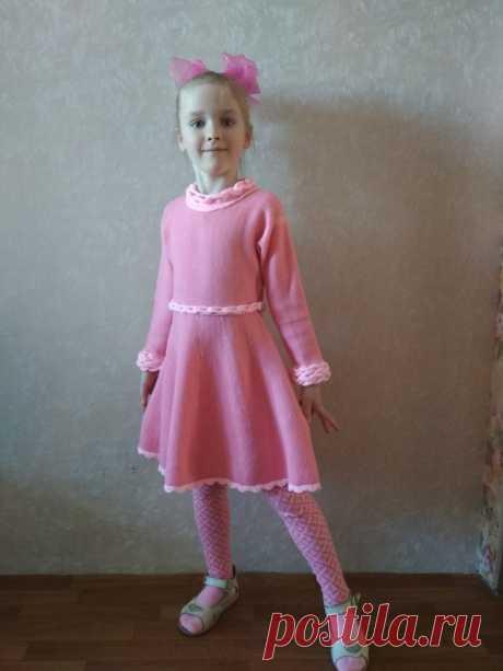 Платье и колготки связаны Воробьевой Татьяной по МК Лорейн Вулхарт https://vk.com/lorrainewoolheart