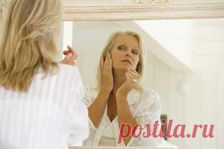 Морщин не будет! Подтягиваем щеки бабушкиным способом  Известно ли Вам, что именно желатин, благодаря своему стягивающему эффекту, салоны красоты используют в «механических» масках для подтягивание щек и второго подбородка. Также желатин используют в шам…