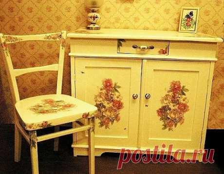 Дачная мебель. Стол и стульчик после глобального вмешательства. Реставрация+Окраска+Декупаж