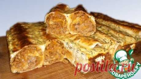 Fast meat pie from an unleavened wheat cake - the culinary recipe