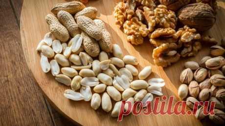 Орехи могут стать провокаторами онкологии — диетологи Диетологи рассказали о вреде для организма, который могут нанести орехи. Главным негативным фактором могут стать испорченные ядра орехов.