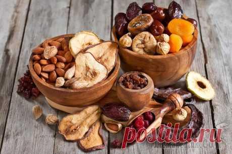 Помоги себе сам: 11 продуктов, которые избавят от проблем с желудком Каждому современному человеку наверняка знакомо это неприятное чувство боли и тяжести в желудке. Нерегулярное и не всегда правильное питание, стрессы, плохая экология и обилие жирной пищи, заставляет ...