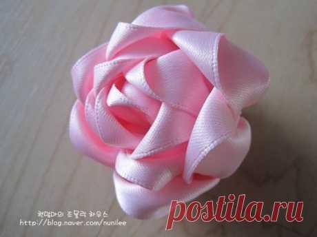 Очаровательная роза из ленты: мастер-класс — DIYIdeas