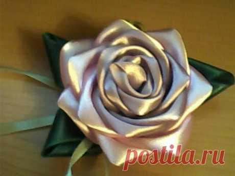 Роза из атласной ленты. МК.