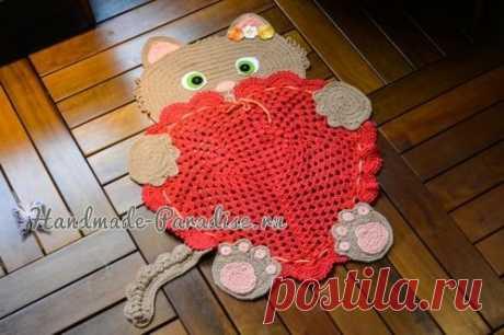Детский коврик крючком «Кошка с сердцем»