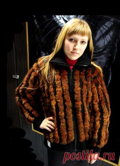 La cazadora la base es vinculada del hilado de lana + el tejido de piel, sin podklada, presente. La dimensión 46, el precio 9000 rub