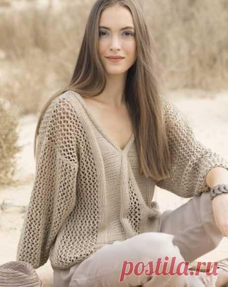 Бежевый пуловер с ажурным узором