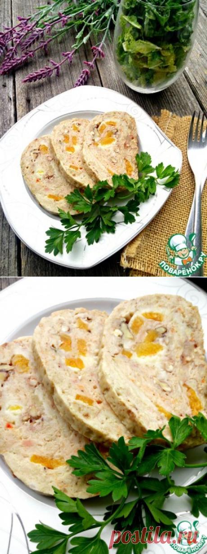 Куриный рулет с сыром, орехами и курагой - кулинарный рецепт