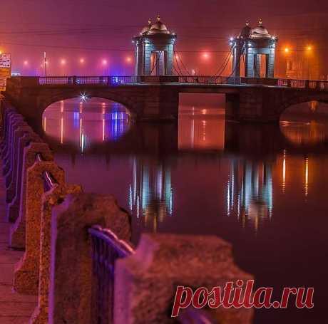 Прекрасный сказочный мост Ломоносова   |  Original: https://pp.userapi.com/c845017/v845017751/2df76/WyeIg..
