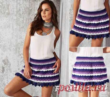 Разноцветная юбка крючком лиловых оттенков
