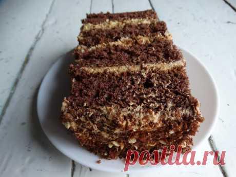 Торт «Золотой ключик». Мой торт-выручалочка, наверное, самый простой и вкусный из моей коллекции - Пир во время езды Этот тортик меня каждый раз удивляет своим вкусом. Такой десерт и в пир, и в мир: для каждого случая в жизни. Можно и для праздника приготовить, да и просто, на перекус, когда хочется чего-то вкусненького. Знаете, в этом случае я изобретать велосипед не стала. Как встретила первый раз рецепт торта Золотой ключик, попробовала, так и …