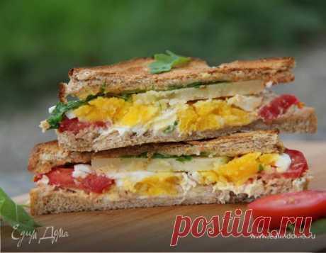 Сэндвич с тунцом. Ингредиенты: хлеб для сэндвичей, тунец консервированный, яйца куриные